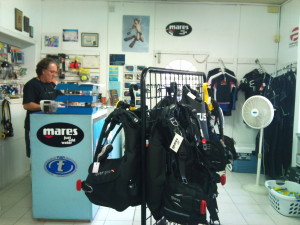 Hazell's Water World Dive Shop - Diver Supply Barbados